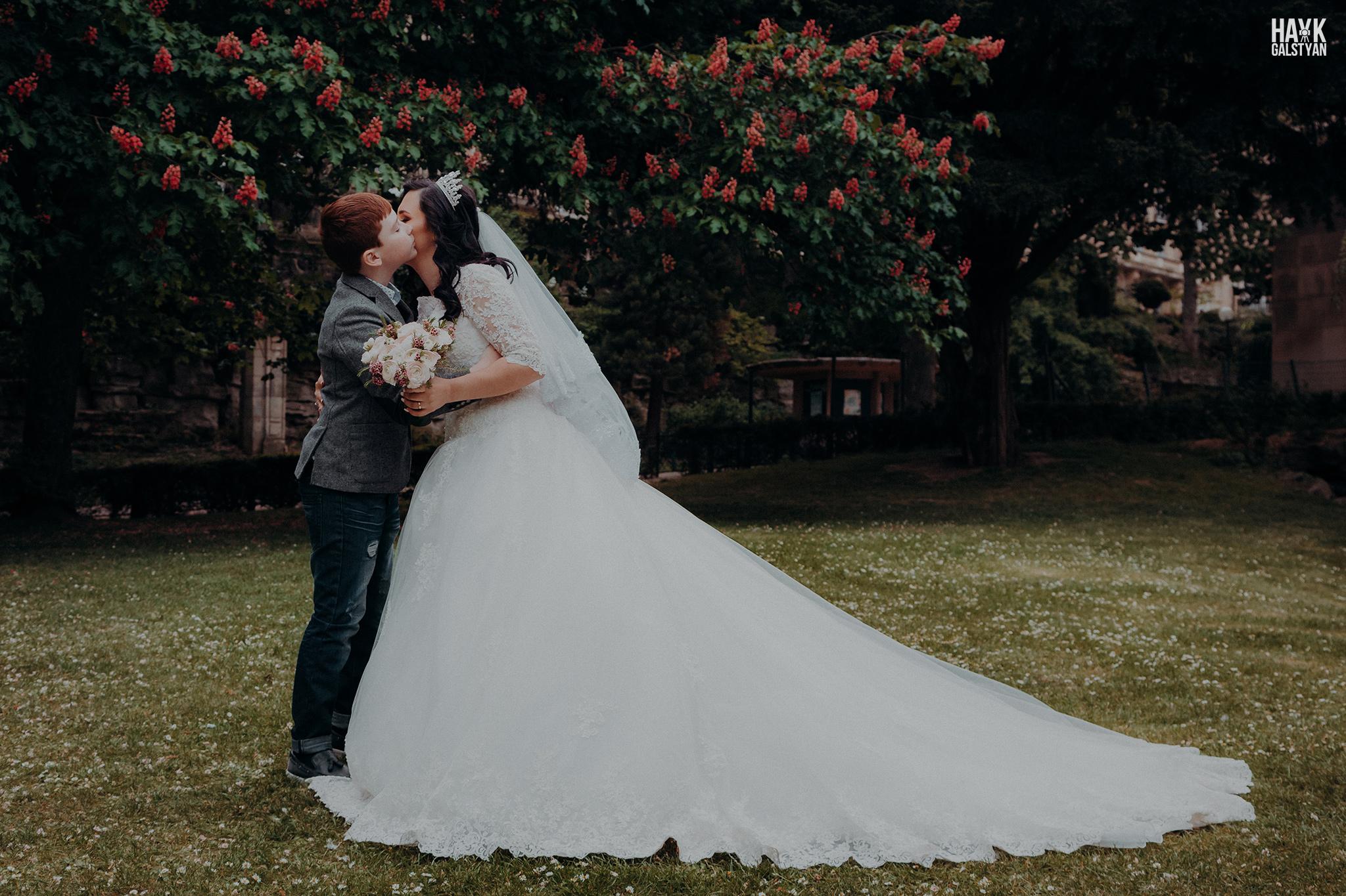 Wedding Photographer in Paris Trocadero